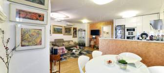 Lower Town 4-room exclusive furnished apartment