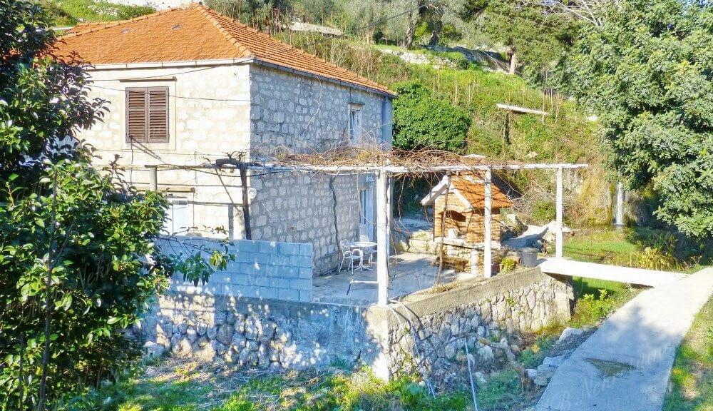 IMB Nekretnine - Kamena kuća 110 m2 okružena zelenilom – Dubrovnik okolica